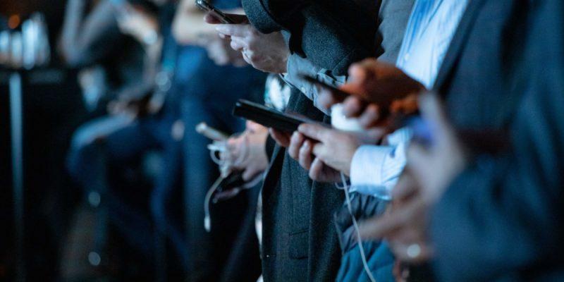 social dilemma, social media